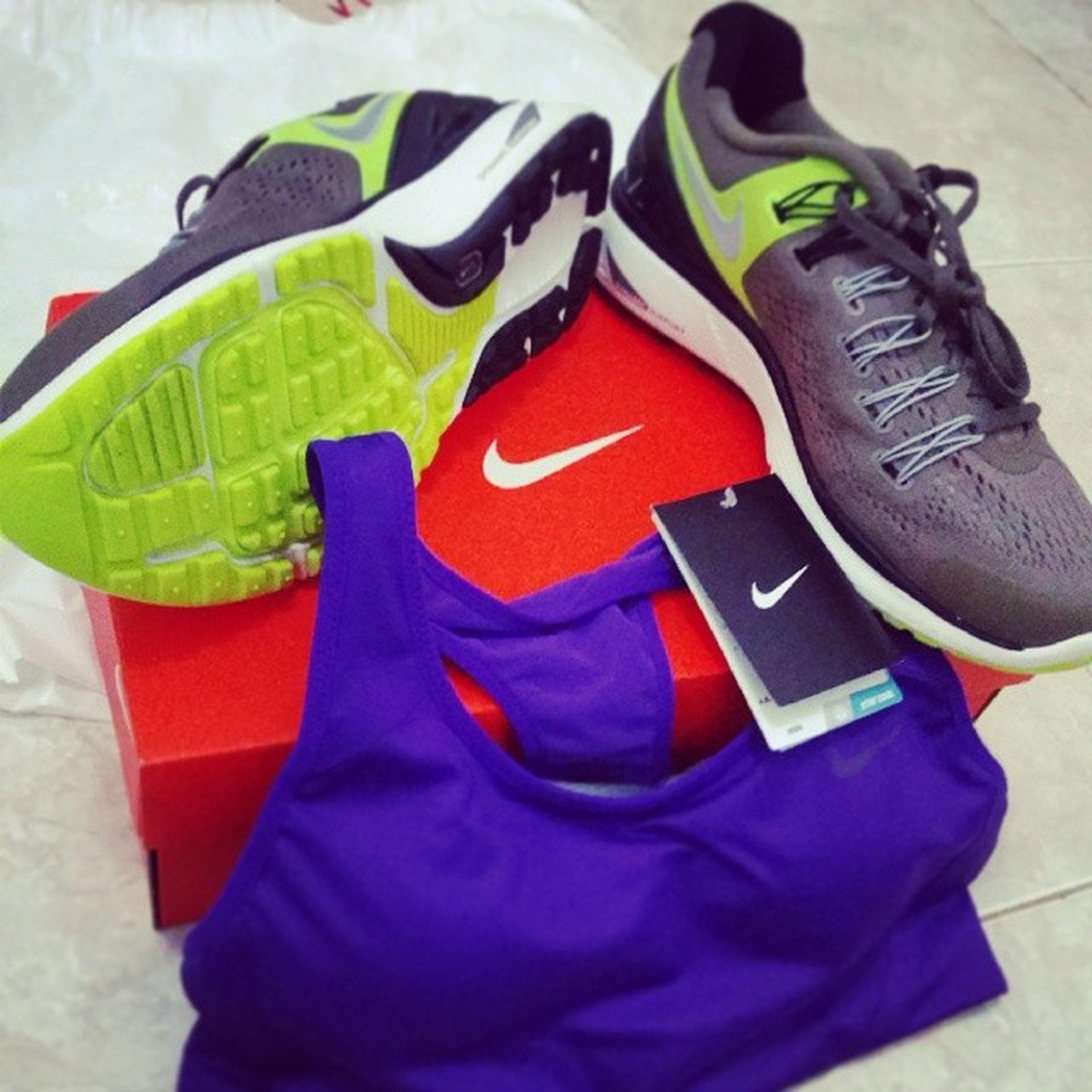 My new Runninggears :D Nike Dynamicsupport Lunarlon lunareclipse3 fitsole4 highsupport drifit