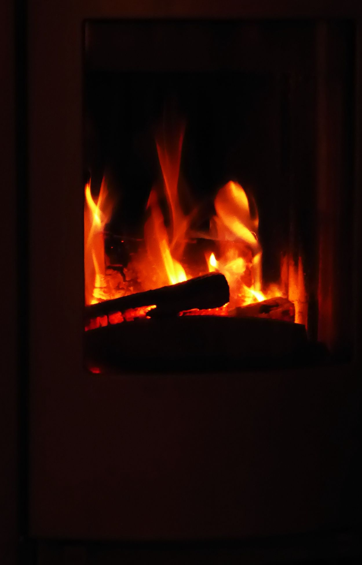 Sitting By The Fireplace Best Things In Life Arent Things Burning Flame Nightshot🌙 Somewhere In Austria😍 Every Day Is A Gift Enjoing Life Do What You Love And Love What You Do❤ Looking At The Fire And It Feels Just Good Beauty In December😍 For My Friends 😍😘🎁 My Year My View Simple Beauty Tranquillity Beauty