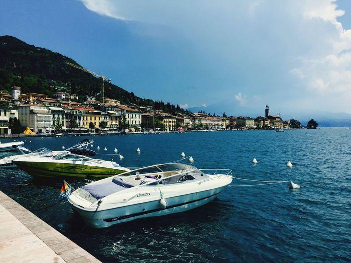Tadaa Community Happyholidays Lago Di Garda Motorboat Starting A Trip
