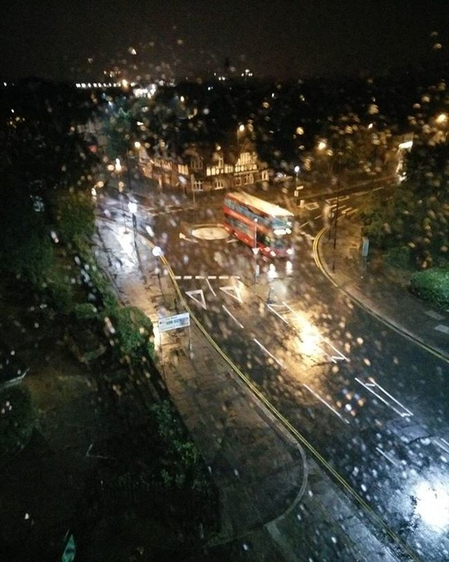 Rainy London Morning Redbus Hotcoffee Hotelroomview