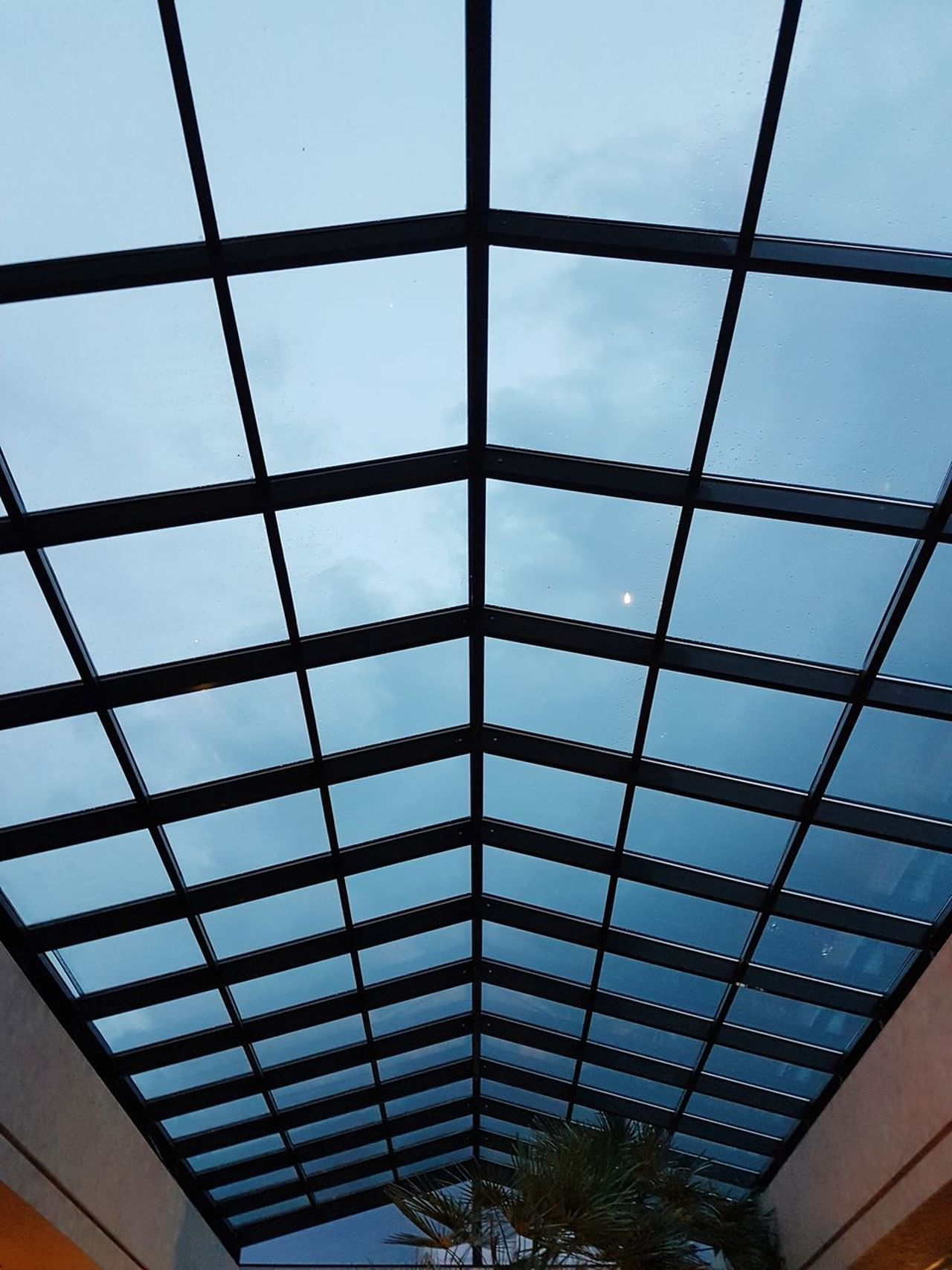 Window Indoors  Full Frame Pattern Ceiling Low Angle View No People Built Structure Architecture Sky EyEmNewHere
