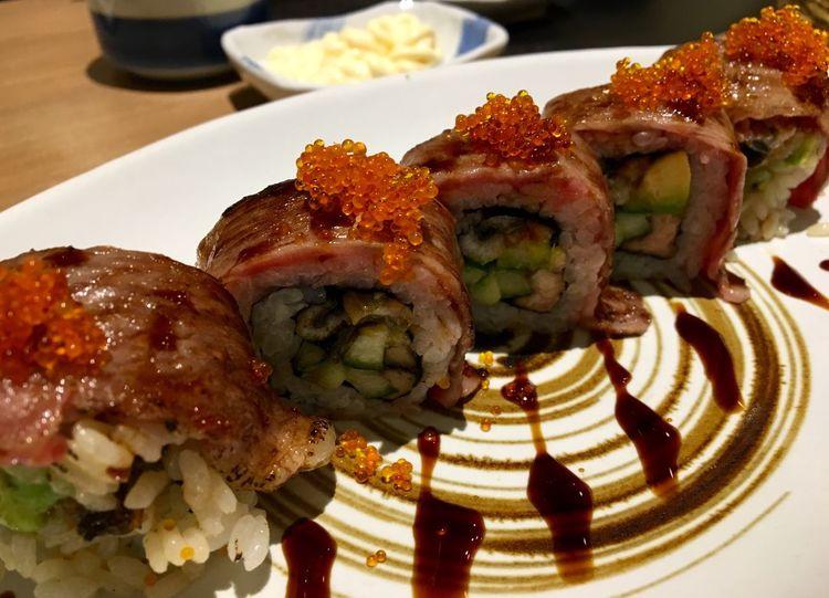 การใช้เวลาวันหยุดกินอาหารญี่ปุ่นแบบนี้คือดีงาม แถมอร่อยมาก..!! Japanese Food is something I can just keep on eating.. AWESOME Food is just right here.. #HonMoNoSushiRestaurant #Sushi #JapaneseFood #LoveJapaneseFood