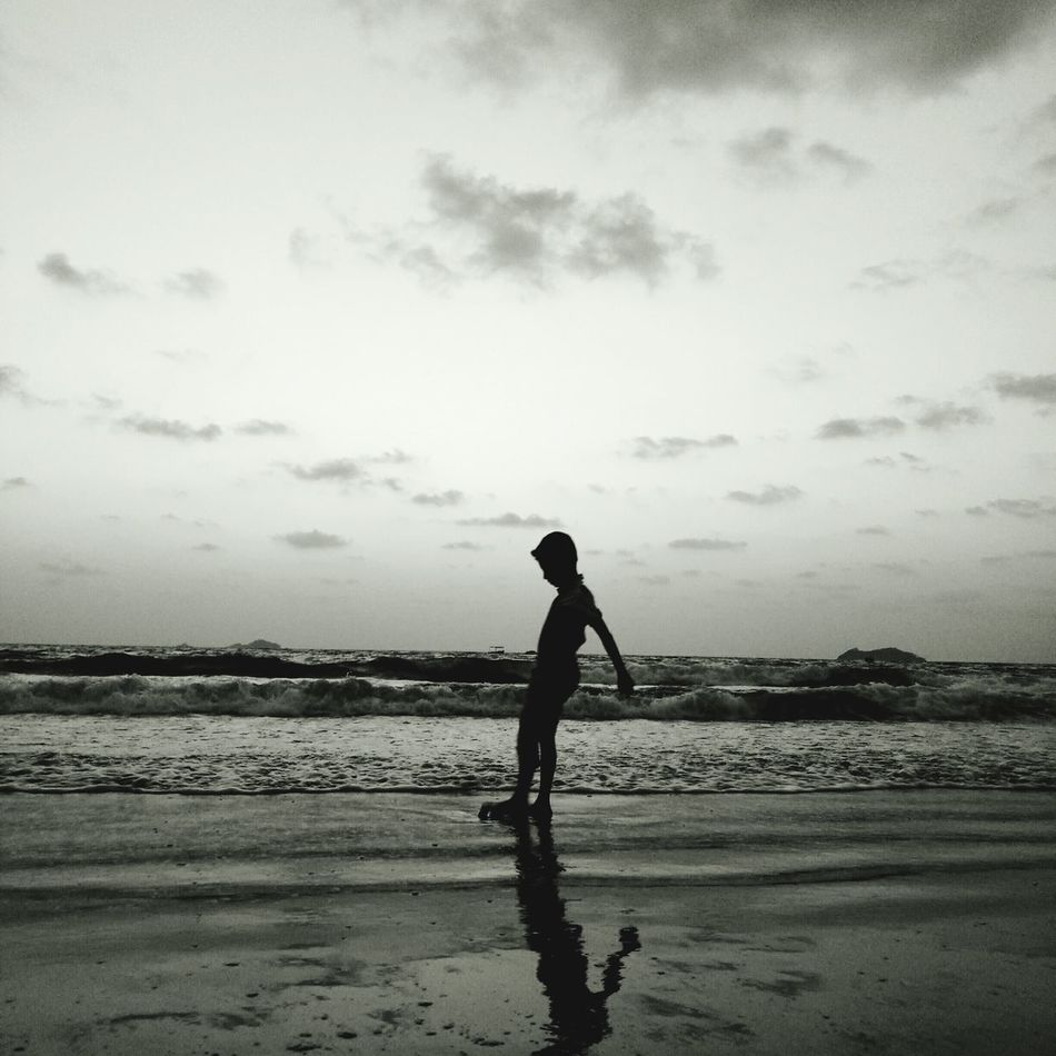 Beach Silhouette One Person People Sea Water Adult Full Length Sand Only Women Sky Child Day Outdoors Men Nature Young Adult Sportsman Walking On The Beach Camera Life Is My Life! Beachtime Childhood Standing FunnyMoments