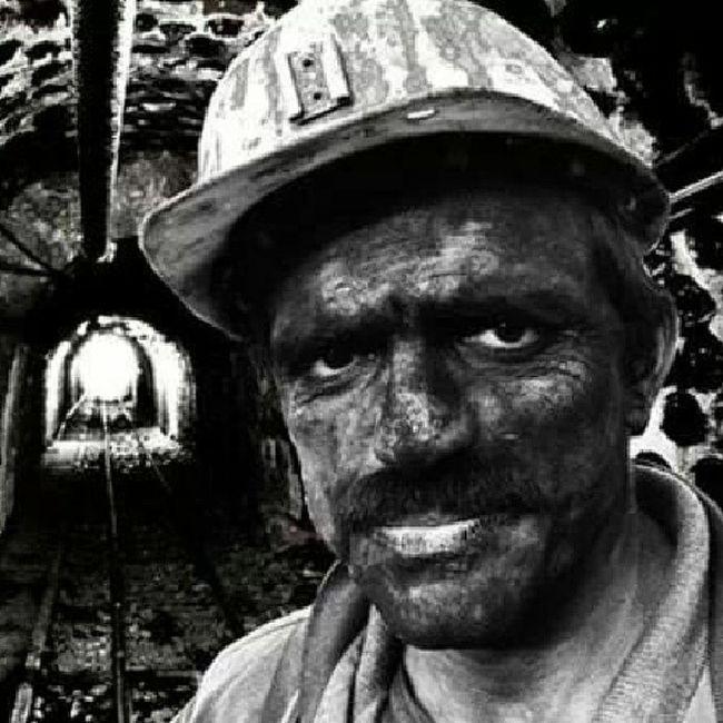 3 Mart 1992 Kozlu'da patmada ölen 263 maden işçisini unutmadık..?? Devrimsokakta Devrim Madenci Grupyorum yasasinhalklarinkardesligi isyan