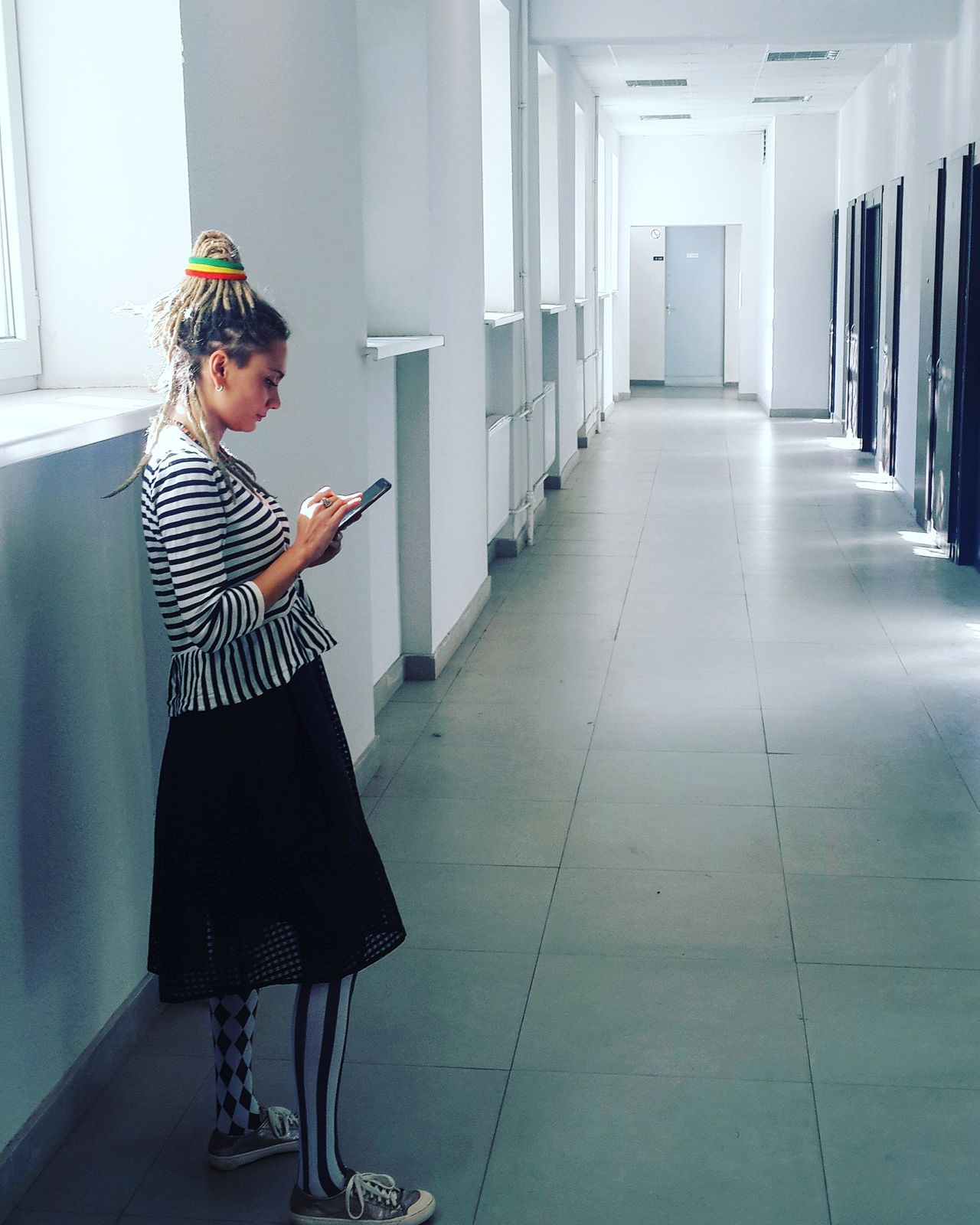 Lifestyles Corridor Casual Clothing Architectural Column Day Focus On Foreground Young Adult Architectural Feature The Way Forward Diminishing Perspective Colonnade Passageway Harleyquinn Braided Hair