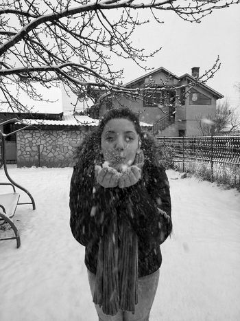 Portrait Lifestyles Looking At Camera Real People One Person Young Adult Outdoors Close-up People Adult Day Snow Playing With Snow Playing In The Snow Cold Cold Winter ❄⛄ EyeEm Best Shots EyeEmBestPics EyeEm Best Edits LG G3 Photography LG Camera Blackandwhite Photography Blackandwhite Belgrade,Serbia Welcome To Black The Great Outdoors - 2017 EyeEm Awards