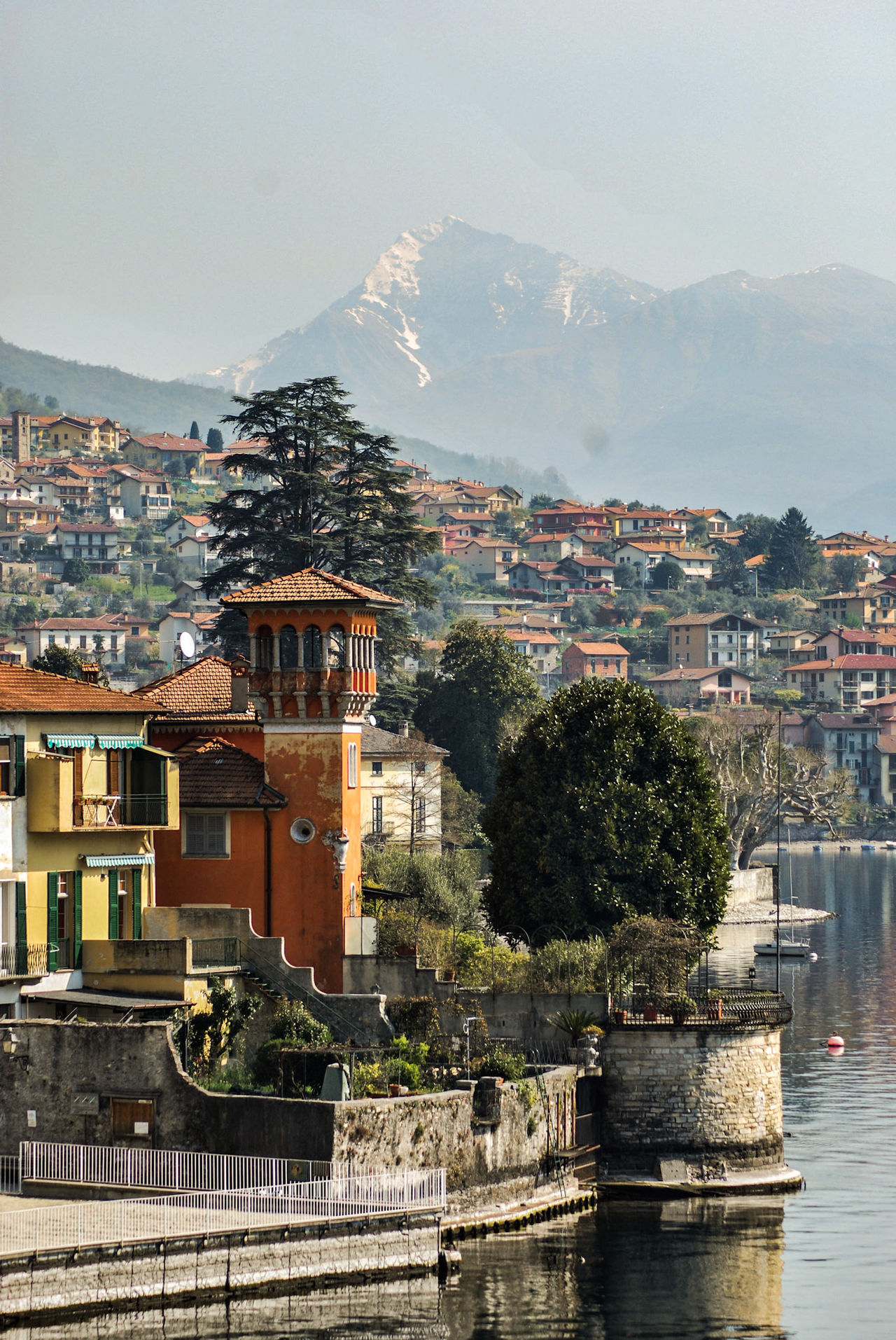 Architecture Built Structure Como Lake Italianate Architecture Italy Lakeside Mountain Range No People Swiss Alps Travel Culture Lakecomo