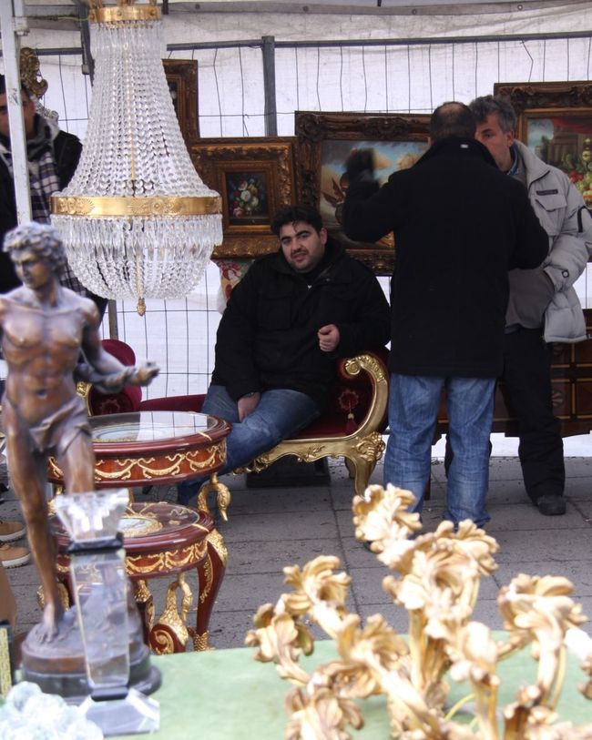 Fleamarket Berlin Hanging Out Check This Out Relaxing Taking Photos Streetphotography Menatwork 😉
