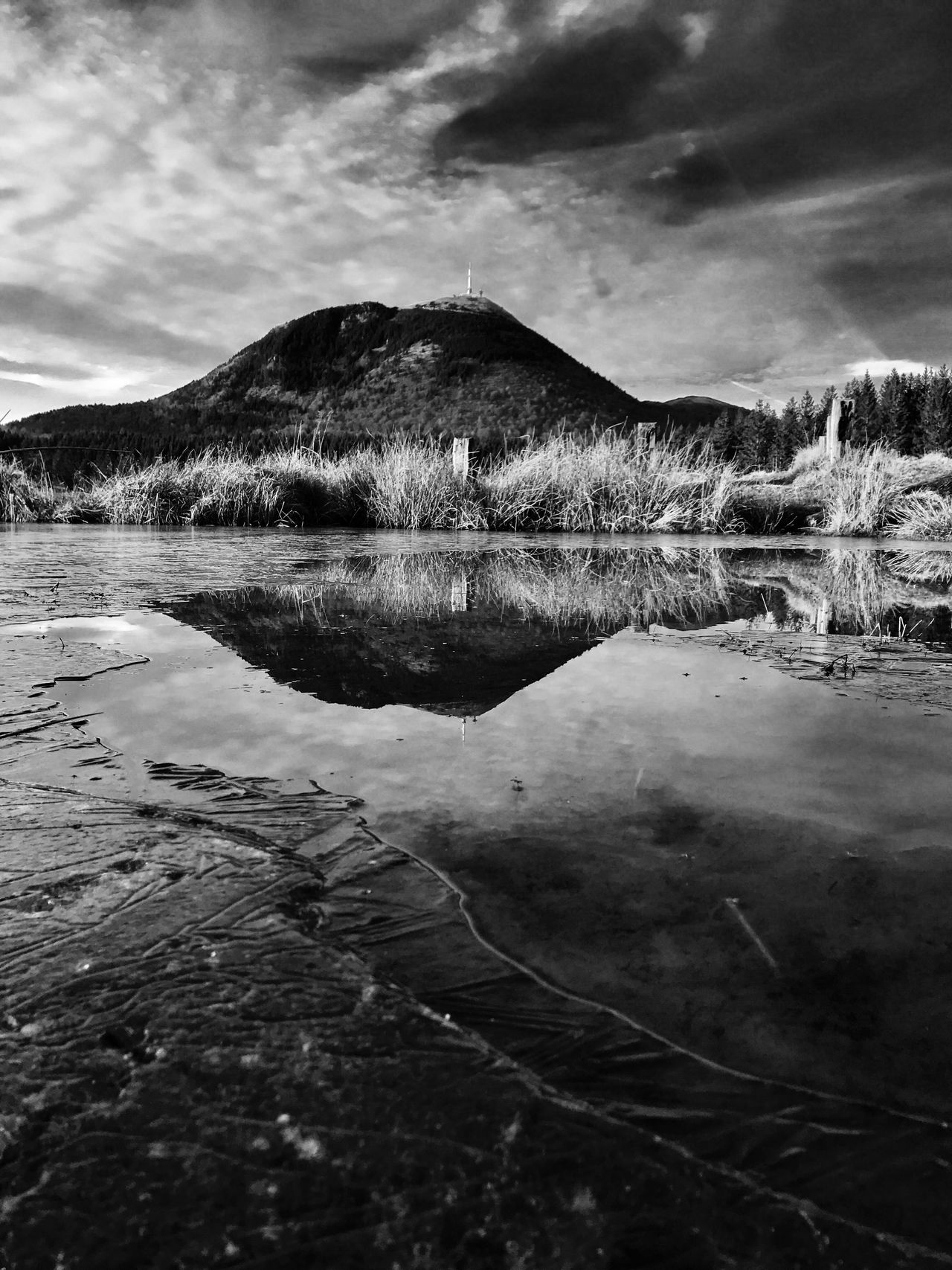 Reflection Reflections Puy De Dôme Puydedome Chainedespuys AuvergneRhoneAlpes Auvergne Myauvergne Nature No People Tranquility Cloud - Sky Tranquil Scene Outdoors Landscape Mountain Beauty In Nature Water Winter Cold Temperature Ice Day Scenics Sky Reflection_collection