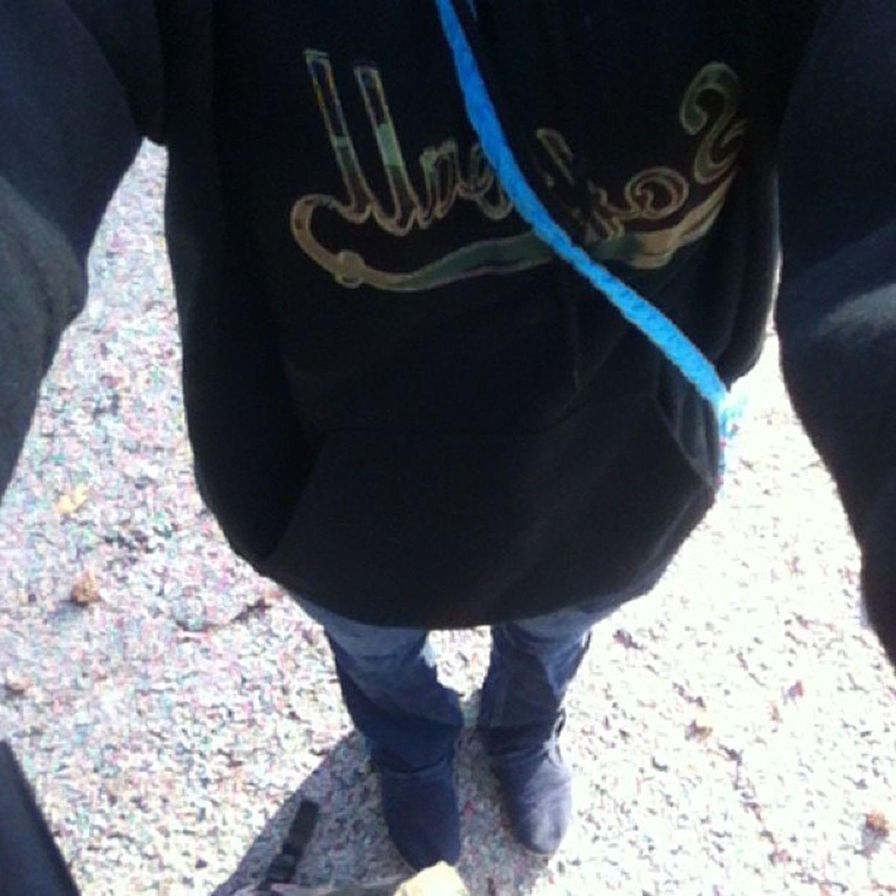OOTD: jeans, tshirt, hoodie & bobs Dayfour Marchchallenge
