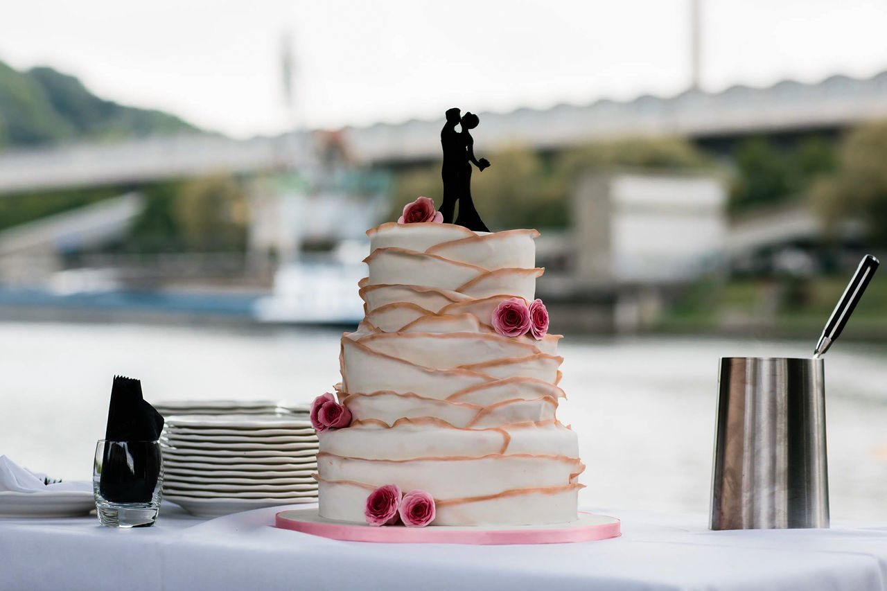 Beautiful stock photos of wedding cake, Cake, Celebration, Close-Up, Container