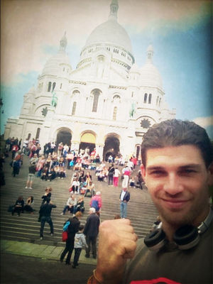 good times at Basilique du Sacré-Cœur by Julien Paymal