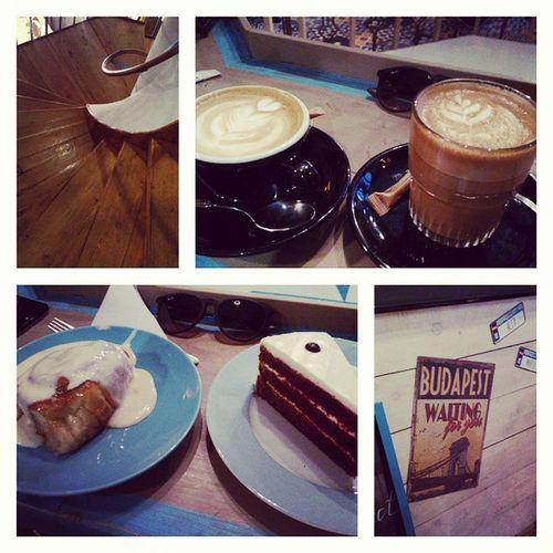 Sunday afternoon! so coffee and cake Bluebirdcafe Nagyon Finom Budapest