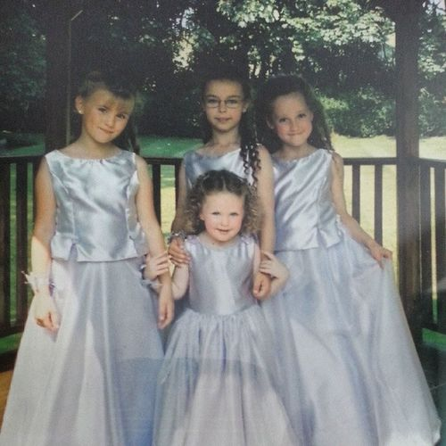 I was a chubby child! Chubby Child Yearsago Agesago longtime purple bridesmaids wedding 2003 11yearsago 8yearsold august august9th 09102003 cousins sisters family familyphoto thankgodforgrowingup grownup