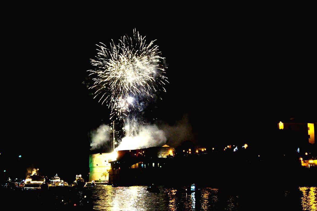 Fireworks Pontegirevole Turnerbridge Castelloaragonese Taranto Apúlia Patronsaint Sancataldo Deepblack