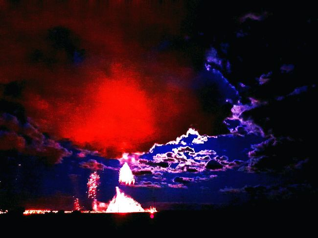 Fireworks Canada Firework Display Fire In The Sky Burning Sky BURNBABYBURN Hello World Burnout BOOM! Holla  Wonderland Wonderful View Peaceful Peace Skyporn Sky_collection Sky And Clouds Nightphotography Night Lights Nightshot