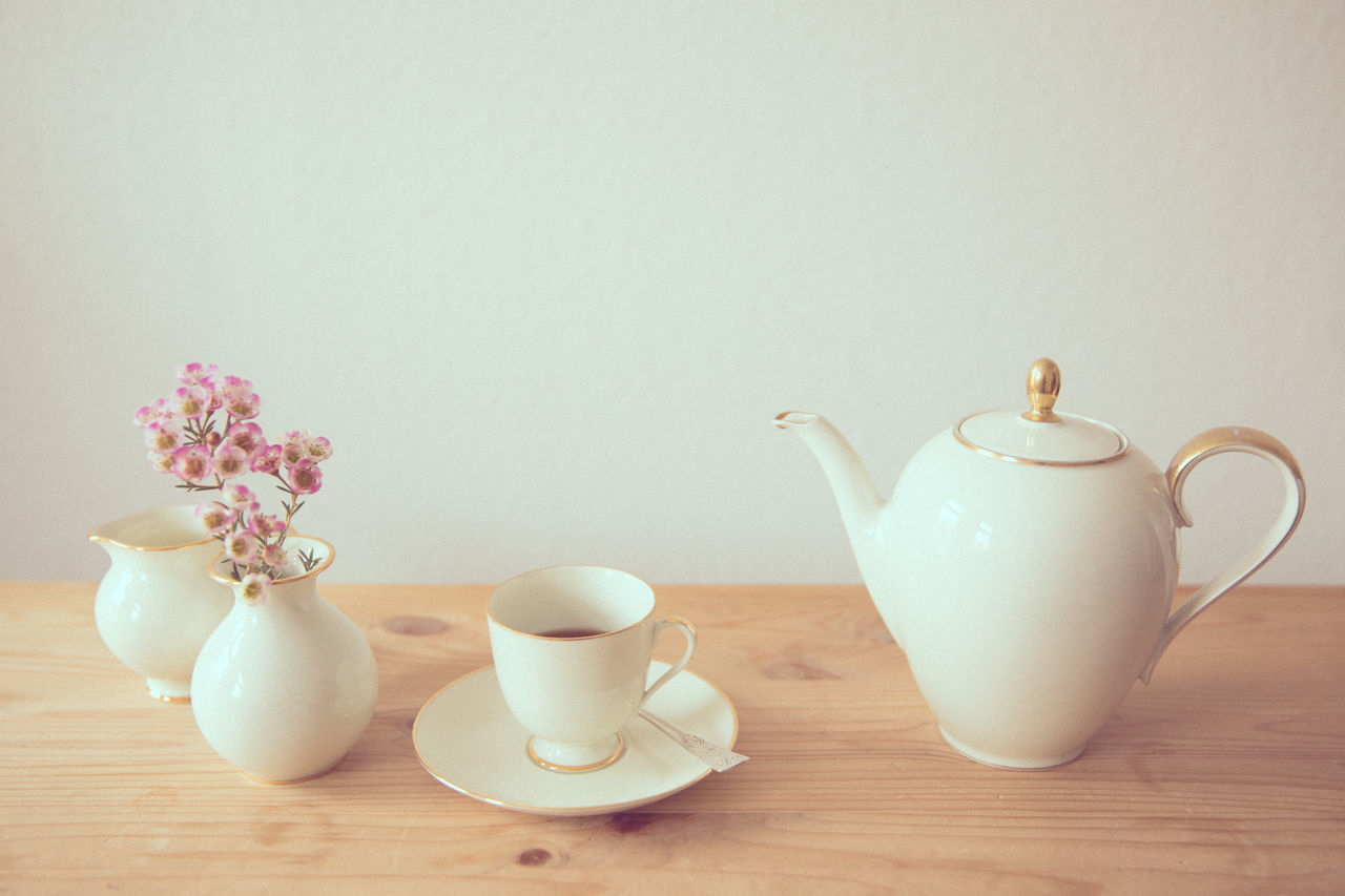Beautiful stock photos of ostern, Close-Up, Cup, Group Of Objects, Kettle