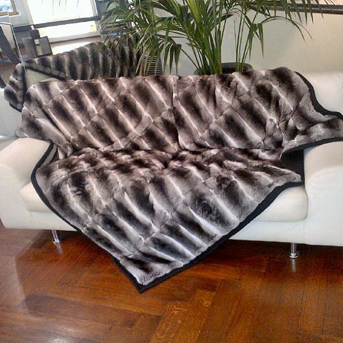 Exclusive at Daniel Benjamin Geneva, naturel chinchilla bed and sofa cover 2 X 2 m Danielbenjamingeneva Danielbenjamin Fur Chinchilla luxury fashion Switzerland Geneva Russia Moscow Kazakhstan Astana @danielbenjamingeneva