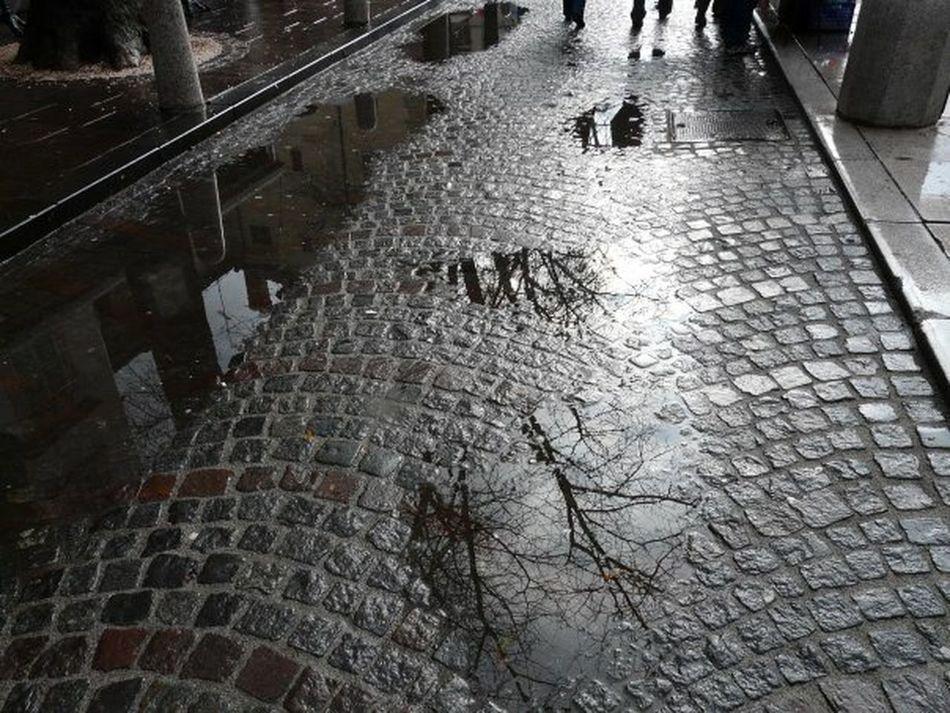 Lubljiana Streetphotography Streetphoto_bw Monochrome Rainy Day Rain Riflessi Slovenia
