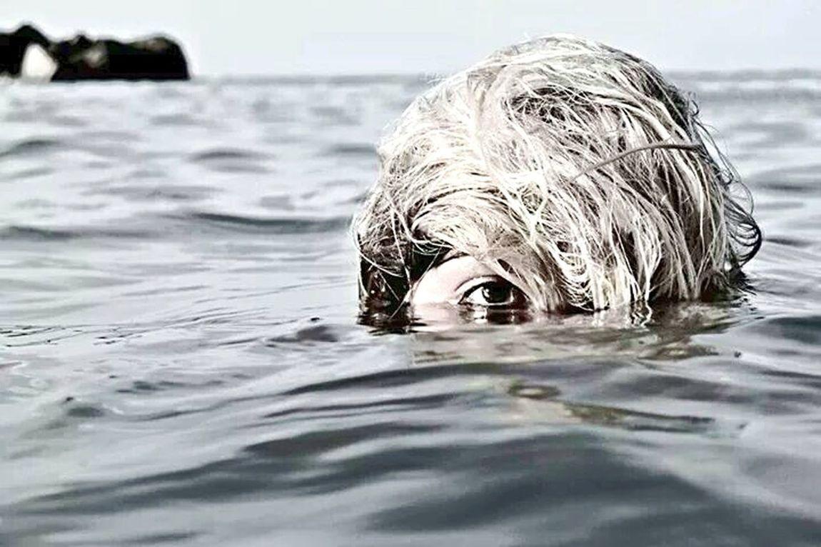 Sea Mare Riflesso Acqua Girl Eyem Best Shots Eye For Photography EyeEmBestPics EyeEm Gallery Portrait