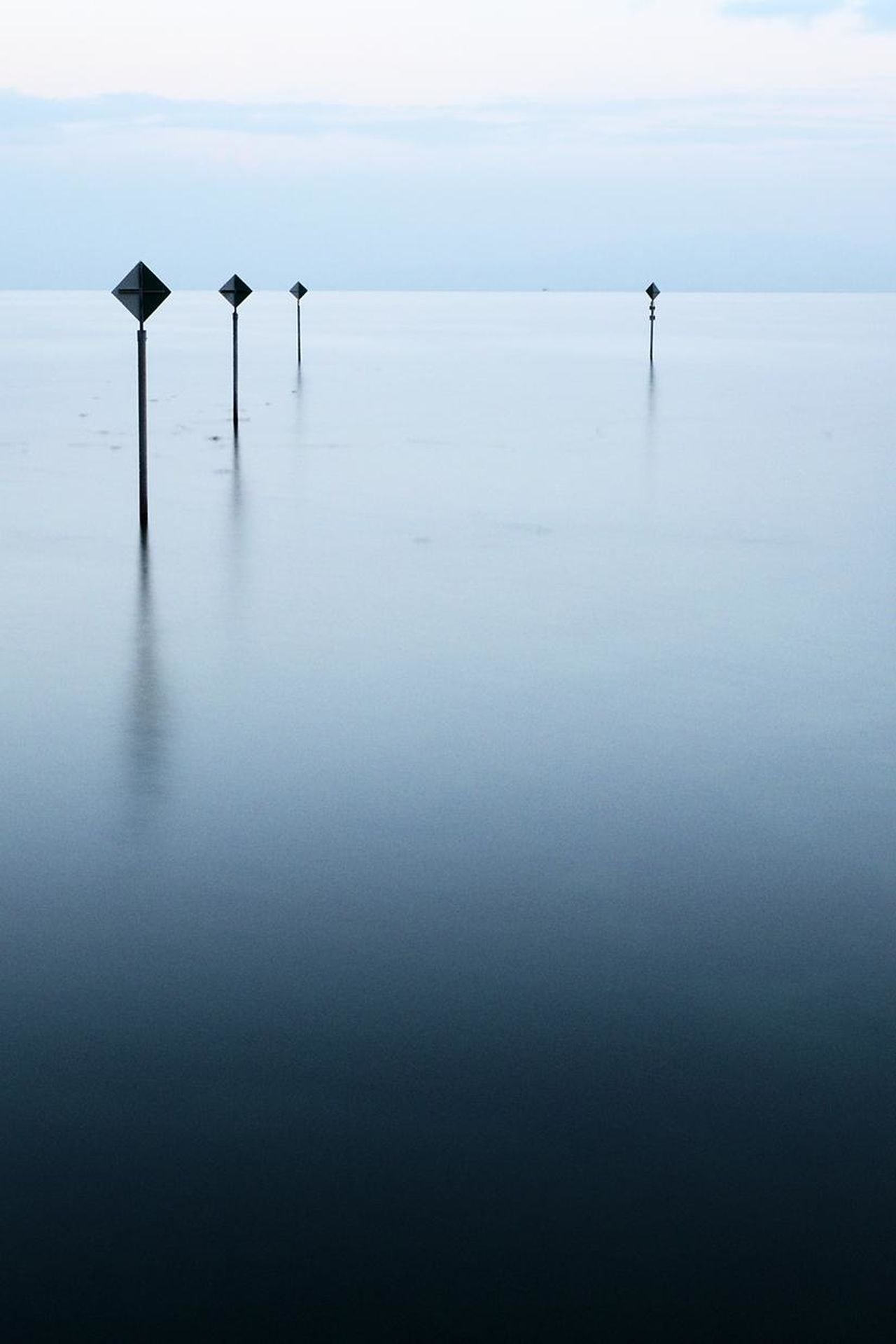 Adult Beauty In Nature Business Day Horizon Over Water Horizontal Lake LINELangzeitaufnahme Long Exposure Longexposure Minimalism Moments Monotone Nature Outdoors People Point Of View Reflection Reflections In The Water Sea Marks Simple Simplicity Water First Eyeem Photo