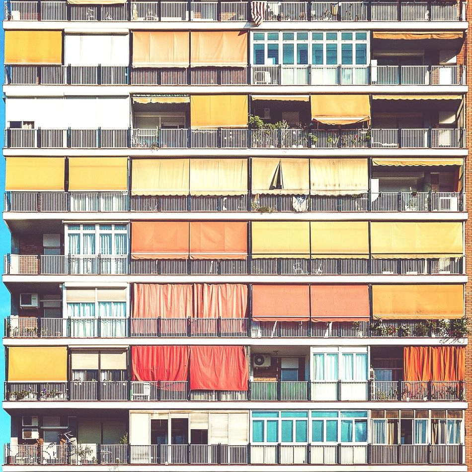 Sun kisses | Besos de sol Straightfacade Architecture Urbanexploration Awning