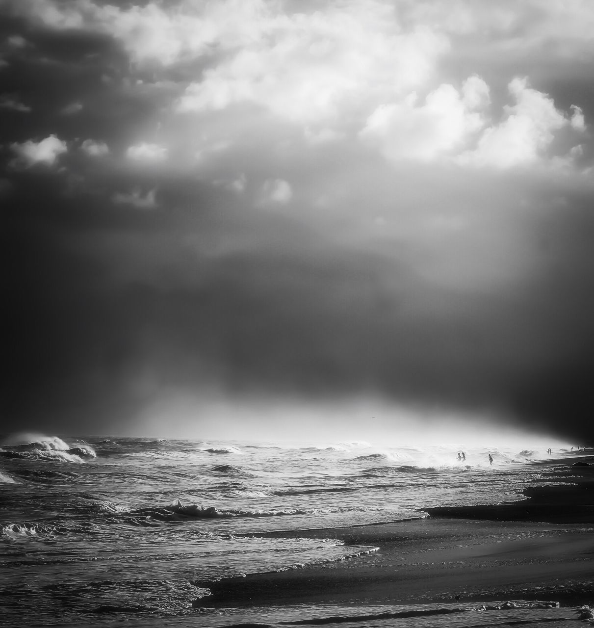 sea, cloud - sky, sky, beauty in nature, water, nature, scenics, tranquility, tranquil scene, outdoors, no people, horizon over water, storm cloud, day, wave