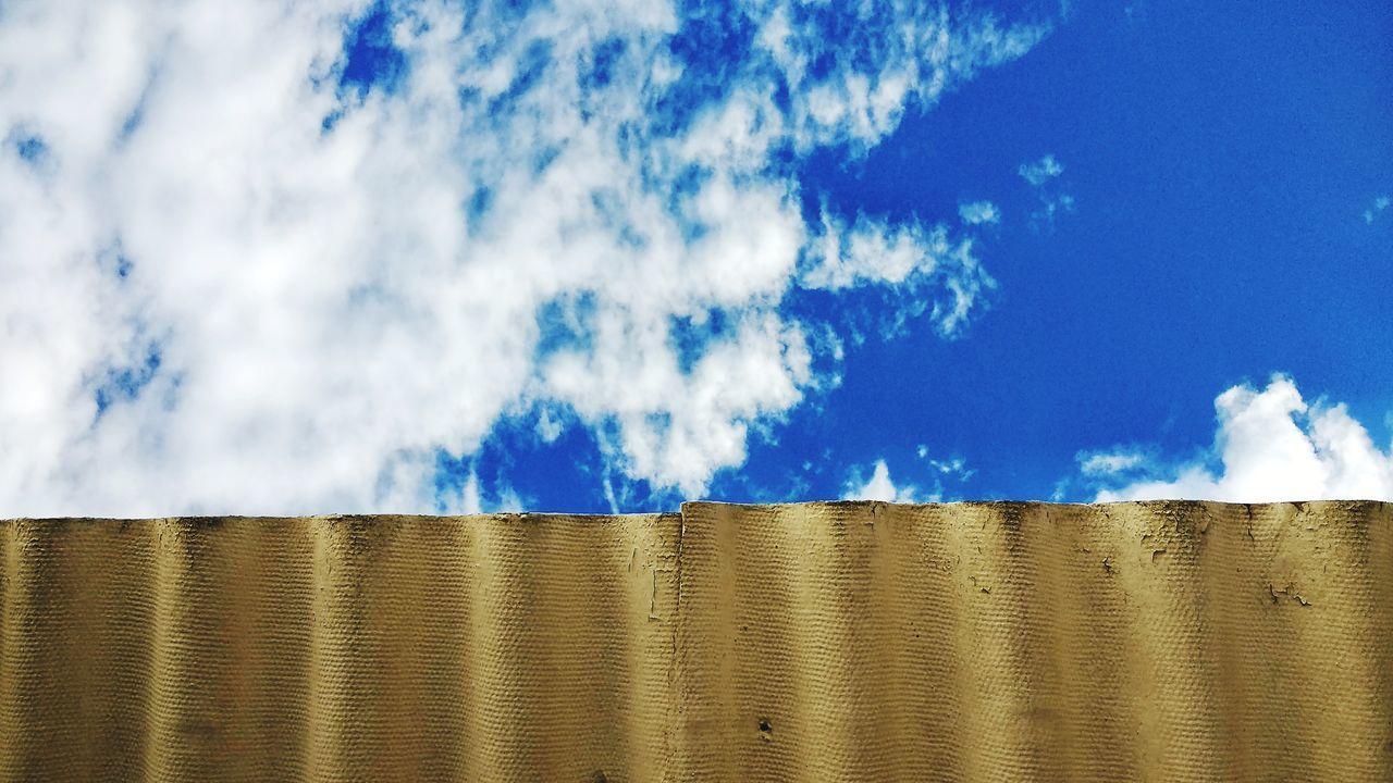 Cloud - Sky Waves No People Sky Outdoors Picket Fence Nature Blue Construction Materials Spring Spring Sky