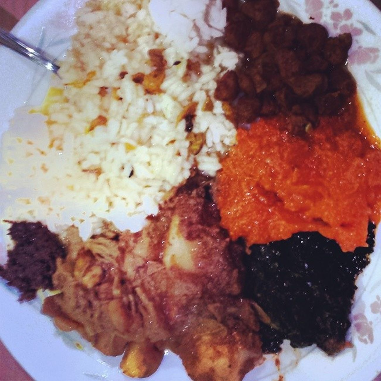 Leftovers from my havan!!! Bhojan 7curry Dhall Catahar pumpkin bhagee carhee choplets aloocurry roti rice hindu indianculture havan lash