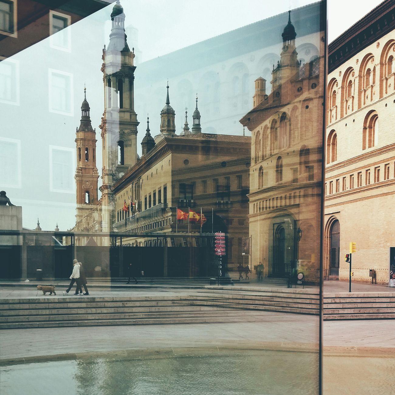 Cuestion de Reflejos ... Reflections Streetphotography EyeEm Best Shots Walking Around Youmobile