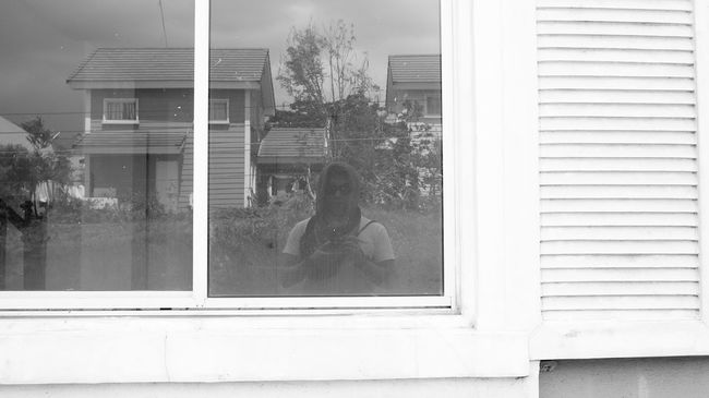Windowfie Blackandwhite Scarf Philippines Voigtländer Voigtlander28mm Eye4black&white  Eye4photography