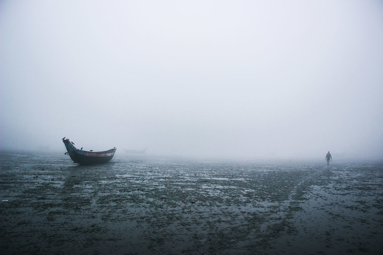 lone soul Beauty In Nature Fog Foggy Gondola - Traditional Boat Horizontal Loneliness Lonely Misty Mode Of Transport Nautical Vessel Outdoors People Sea Tranquil Scene Tranquility Transportation Travel Destinations Water Winter