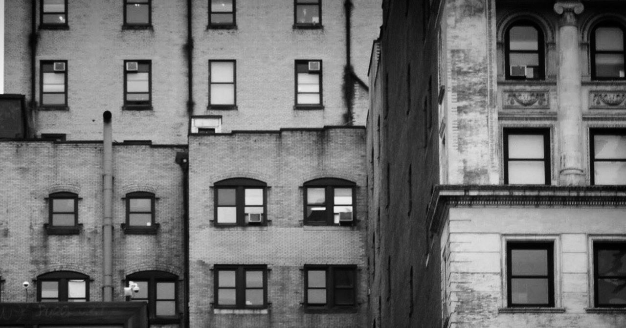Architecture Window Built Structure Building Exterior No People Day Outdoors New York Building Blackandwhite Blackandwhite Photography The Architect - 2017 EyeEm Awards
