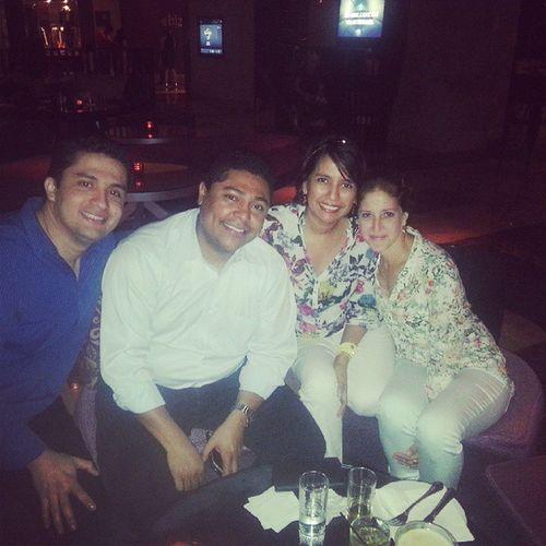 Friday night with friends Orthopedicsurgeons Ortopedia Orthopedics Happy happyhour fridaynight friends Panama panameña