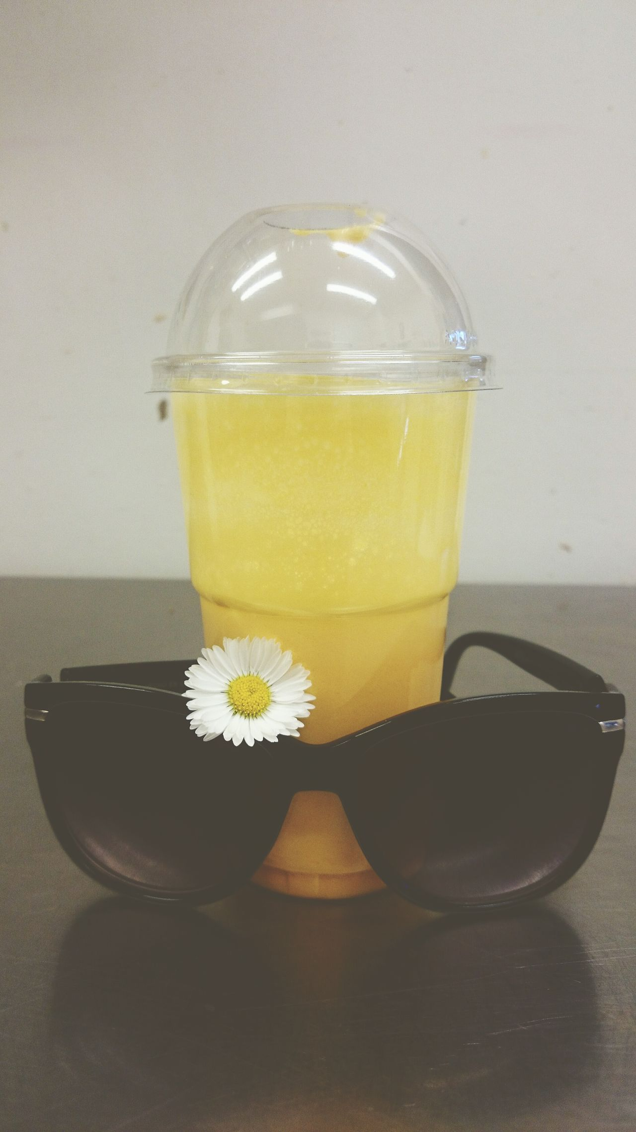 Sun Mood Of The Day Sunglasses :) Milkshake Feeling Good Just Something Love My Job Colours Good Morning Sunclasses Smoothie Jellow