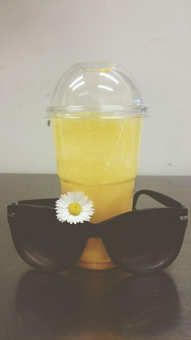 Sun Mood Of The Day Sunglasses :) Milkshake Feeling Good Just Something Love My Job Colours Good Morning Sunclasses Smoothie Jellow