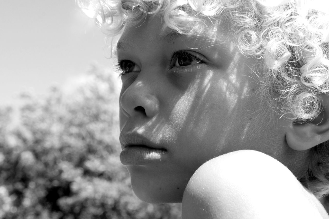 Beautiful stock photos of lippen,  10-11 Years,  Boys,  Curly Hair,  Day