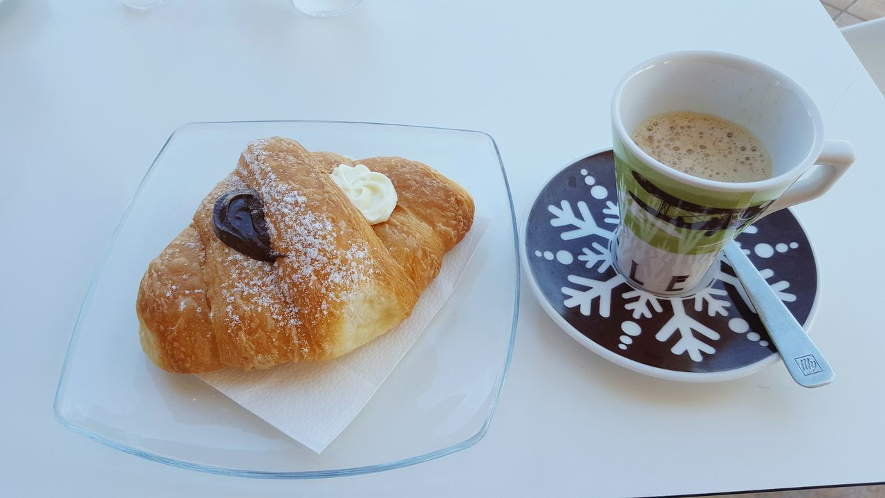 Goodmorning :) Good Morning Day Ginseng Bar Chocolate♡ Italy Breakfast Time Breakfast ♥ Croissant Chocolate Breakfast