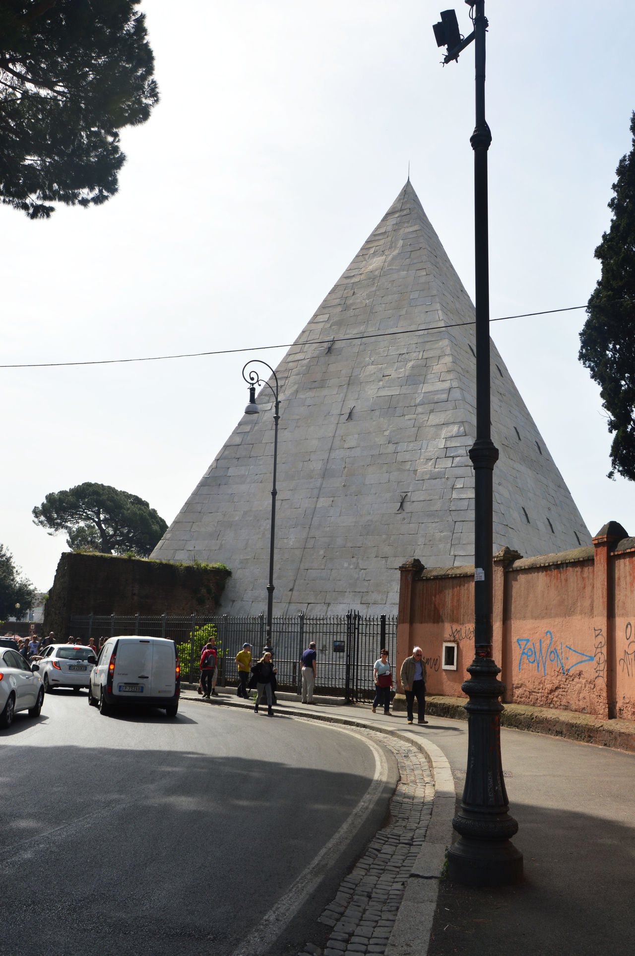 Architecture Building Exterior Car Day Mountain No People Outdoors Piramide Piramide Bianca Piramide Cestia Piramide Roma Pirámides Road Roma Roma Street Rome Italy Rome Italy🇮🇹 Sky Street Street Rome Travel Travel Destinations Tree
