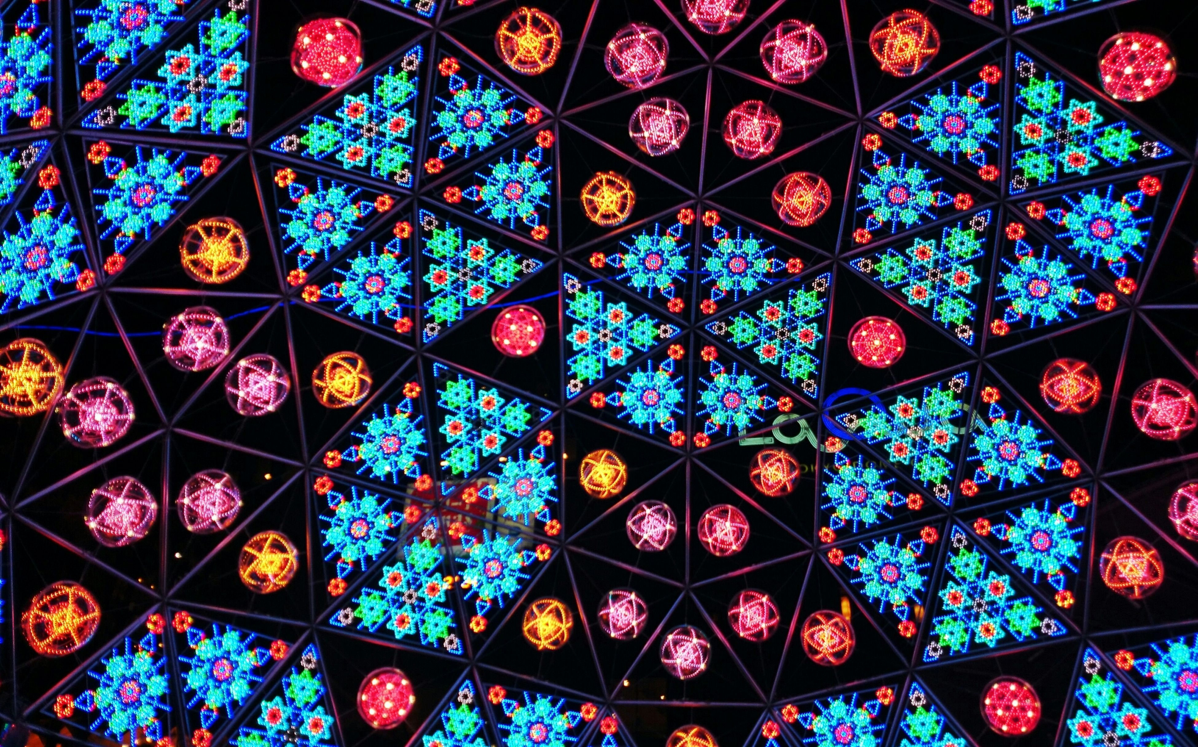 full frame, backgrounds, indoors, pattern, design, ceiling, multi colored, repetition, abundance, decoration, ornate, art and craft, patterned, stained glass, textured, geometric shape, shape, in a row, large group of objects, illuminated