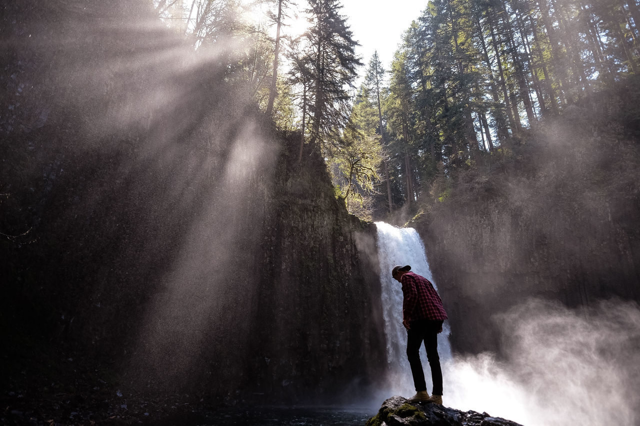 Rush Real People Adventure Leisure Activity Nature Sunbeam Full Length Men One Person Beauty In Nature Outdoors People Tree My Year My View Oregon Tranquility Scenics Sunlight PNW United States Moments Vista Finding New Frontiers
