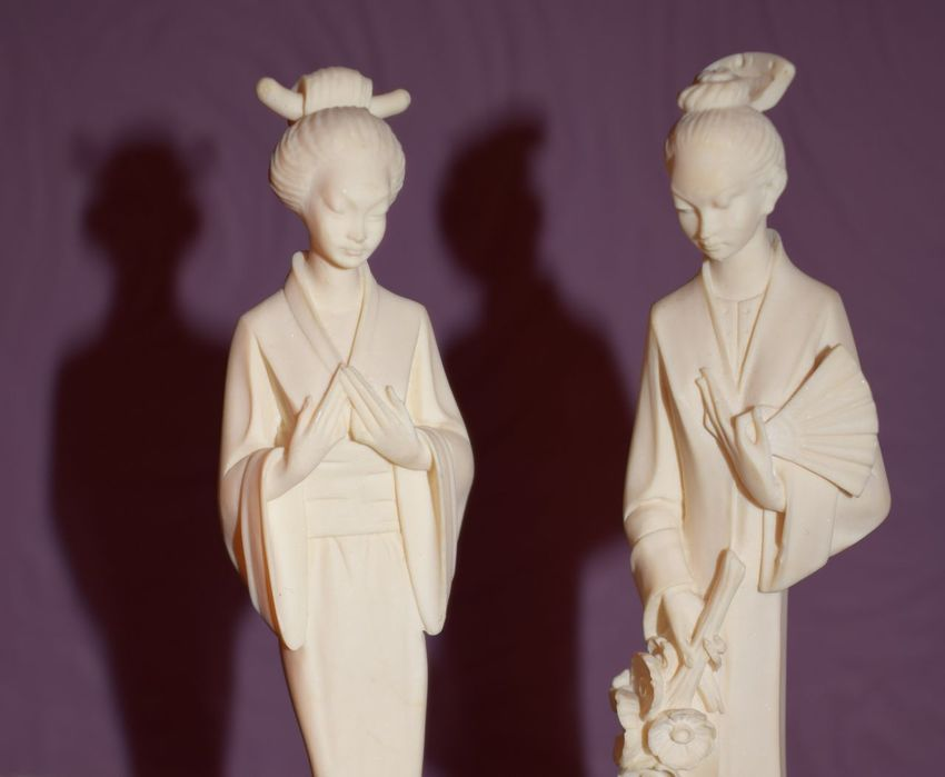 Geisha Geishas Horizontal Human Representation Indoors  Light And Shadow No People Shadow Statue Women Italian Artist Alabaster Two Is Better Than One Portrait Beauty In Ordinary Things Art Photography Artandculture Artistic Photo