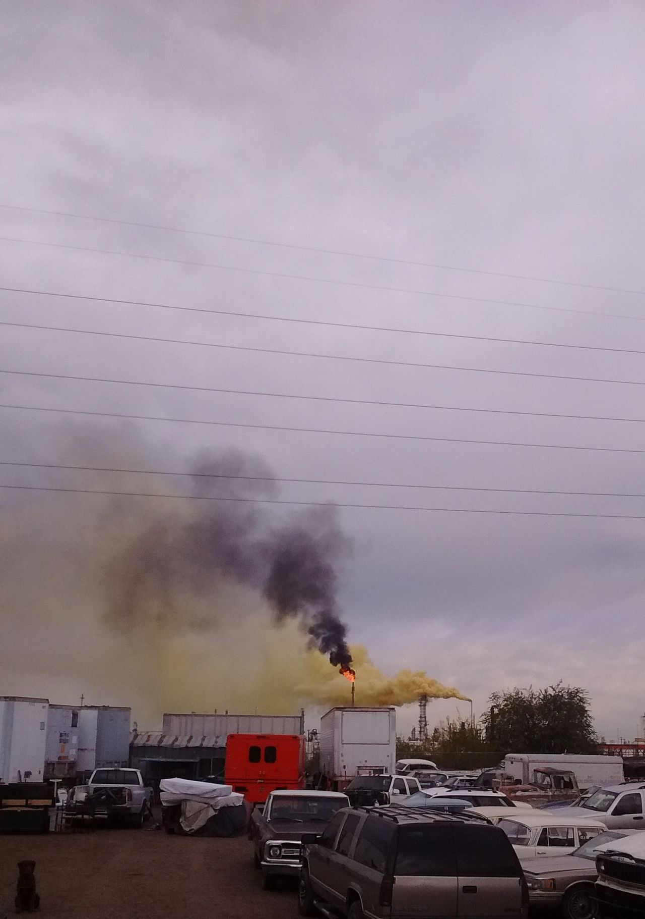 """2016 Suncore Refinery """"Yellow Plume"""" Commerce City, Colorado ENVIRONMENTAL HAZARD as it was happening. 911 Accient Cloud - Sky Cover-up Day Denver Colorado  Emergency Services Hazmat Team Firefighters Help Land Vehicle Outdoors People Watching Pollution In My World Service Animals Sky Sulfer Transportation"""