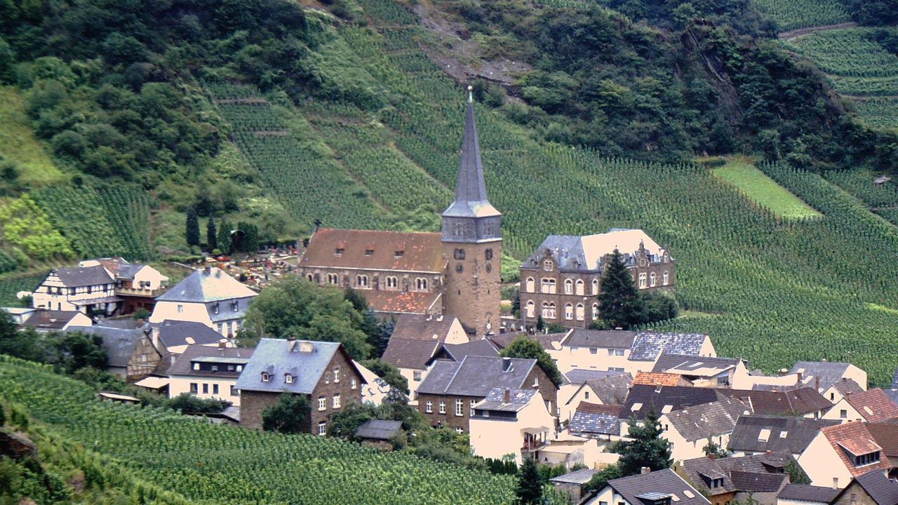 Ahr Chur Dorf Kirche Mayschoß Village Weinberg Wineyards First Eyeem Photo