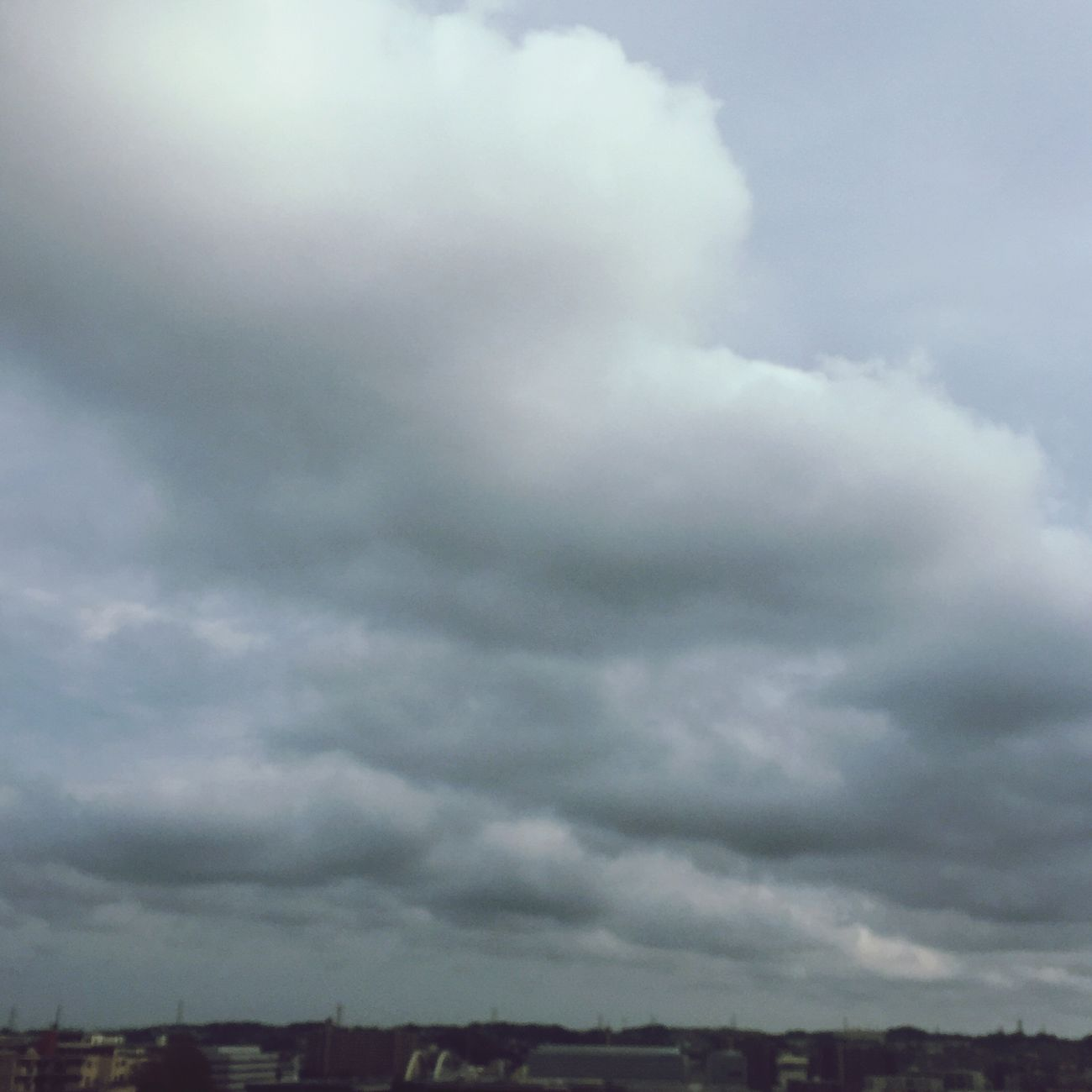 https://youtu.be/sfY_tMS27w0 Clouds Clouds And Sky Sky Skyporn Cloudlover Cloudporn Grey Howdoyoufeel Rain