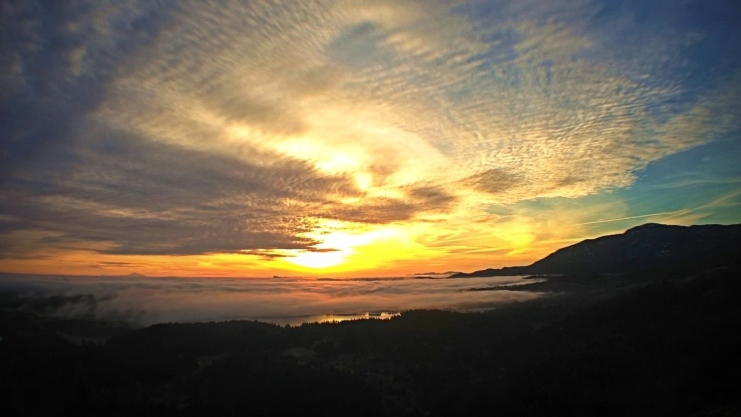 IPhoneography Vancouver Island Above The Fog Avgcampro