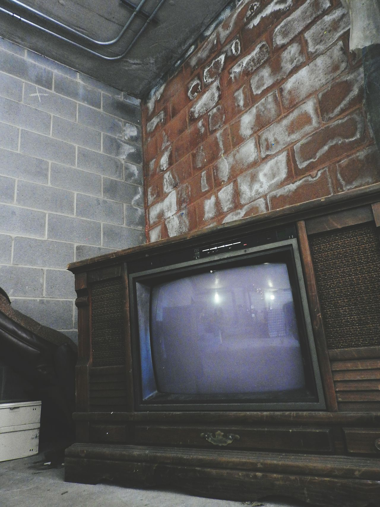 Taking Photos Check This Out EyeEm Gallery Old Buildings Building Interior Fine Art Photography Spooky Atmosphere Creepy Old TV Set Old Television Creepy Places Creepy Building Reflections In The Tv Reflections In The Television Old Brick Building Creepy Atmoshpere