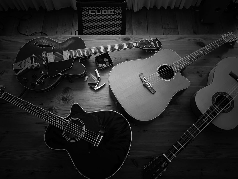 Guitar Music Indoors  Musical Instrument Playing The Guitar Capture The Moment EyeEmBestPics Arts Culture And Entertainment Chilling On A Sunday Cube Chill Mode Snapspeed Eye4photography  Blackandwhite Photography Black & White Blackandwhite Guitar Player Playing The Blues Ibanez Tanglewood Hudson Martinez Cube Amplifier Sgs7edge No People