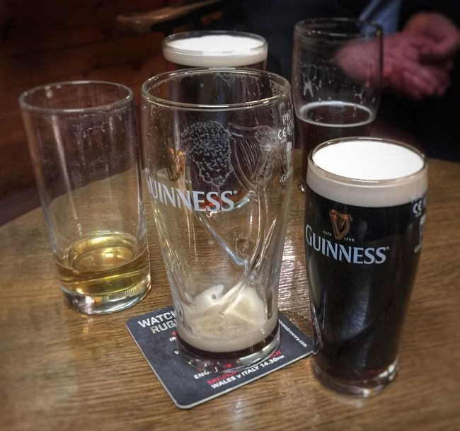 Drinks at the pub Beer Time Guinness Time Pub Drinks With Friends Drinking Beer Drinks Beers PintsAllRound Cheers