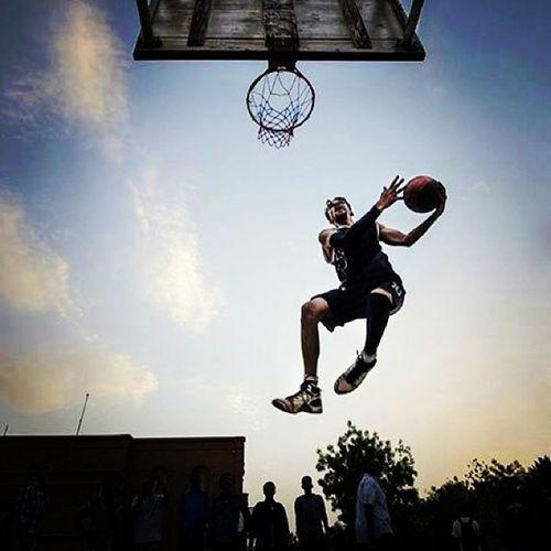 Myteammate Kareeeem Photoshoting Bythe1andonly qosieakoud @instaqqq @kareem_ihab ! lovinnnn the shot !